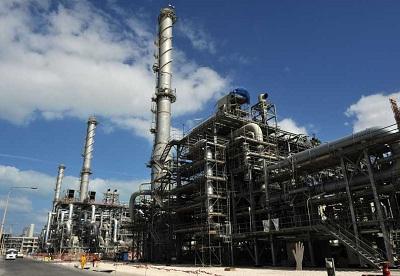 Qatar Petroleum (QP) и Shell объявили о подаче первого добытого на шельфе газа на завод GTL, расположенный в городе Ras Laffan в Катаре.