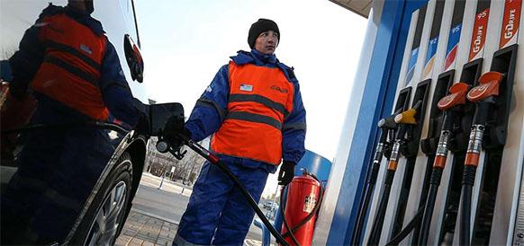 Первые итоги. Роскачество проверяет бензин на АЗС