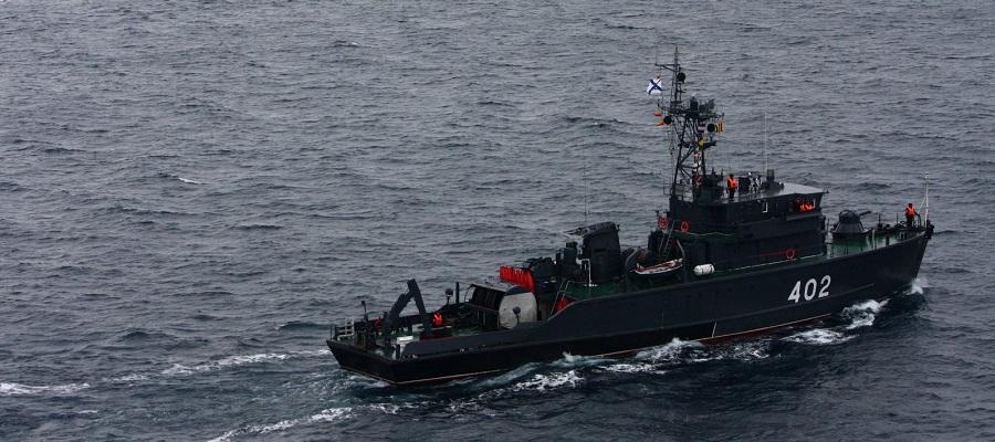 Тральщики Северного флота провели учения в морских полигонах Баренцева моря