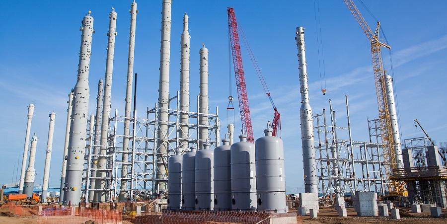 На установке по производству дивинила этиленового комплекса Нижнекамскнефтехима завершен монтаж колонного оборудования