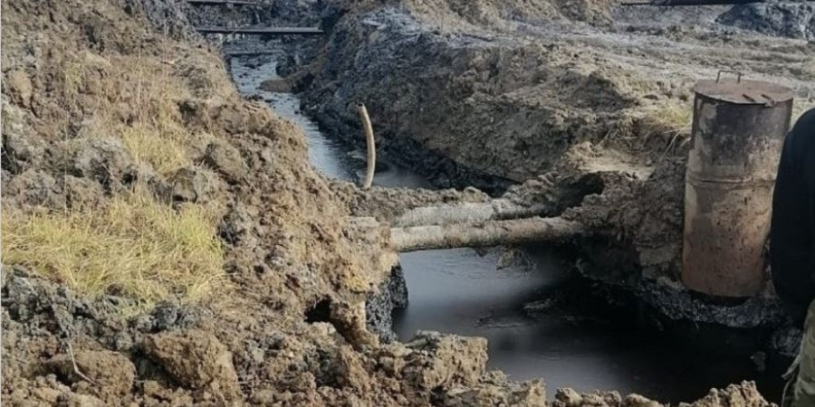На Усинском месторождении в Коми произошел разлив нефти. Снова