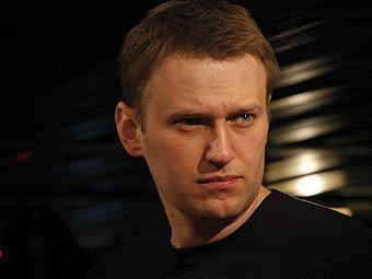 Кто стоит за Навальным?