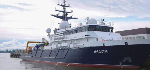На Ленинградской военно-морской базе проводятся заводские ходовые испытания модифицированного опытового судна Ладога