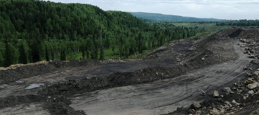 Причины, по которым уголь сошел в реку Большой Кийзас на Кузбассе, установят к середине июля