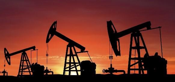 Запасы нефти в США к 31 июля 2015 г снизились сильнее прогноза - на 1%