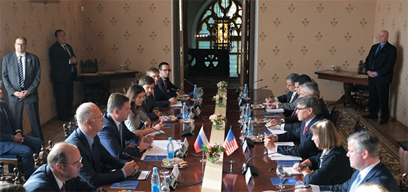 Глава Минэнерго США Р. Перри посетил Россию. Переговоры получились насыщенными, но конкретных результатов нет Голосовать!