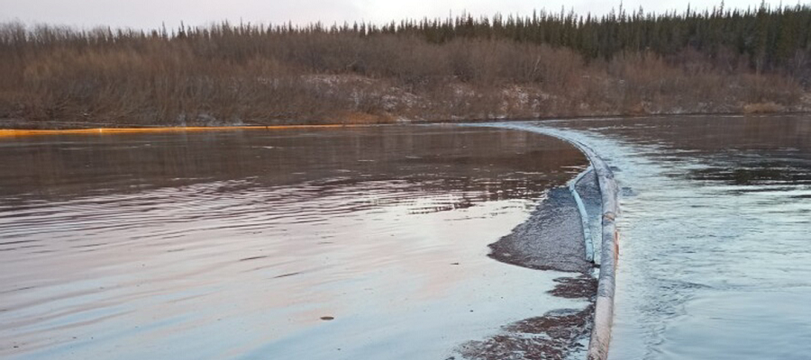 LUKOIL announced that all resources are available to eliminate the oil spill in Kolva