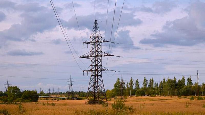 Взорваны 2 воздушные линии электропередач, снабжающие Крым электроэнергией