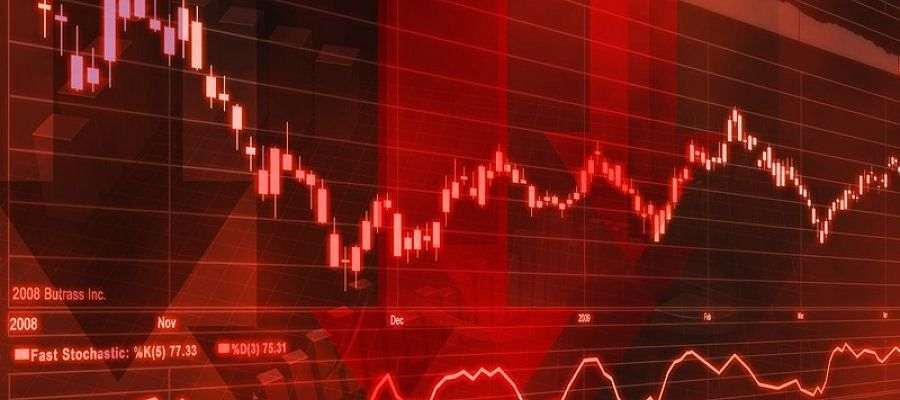 Цены на нефть продолжают находиться под давлением от перспектив возвращения иранской нефти на рынок