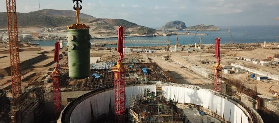 На АЭС Аккую установлен первый корпус реактора