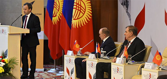 Kyrgyzstan eyes to cover deficit of oil products at expense of Kazakhstan and Russia