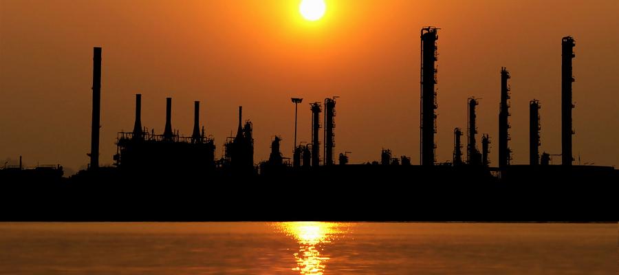 Иран к марту 2022 г. введет в эксплуатацию 11 нефтехимических заводов
