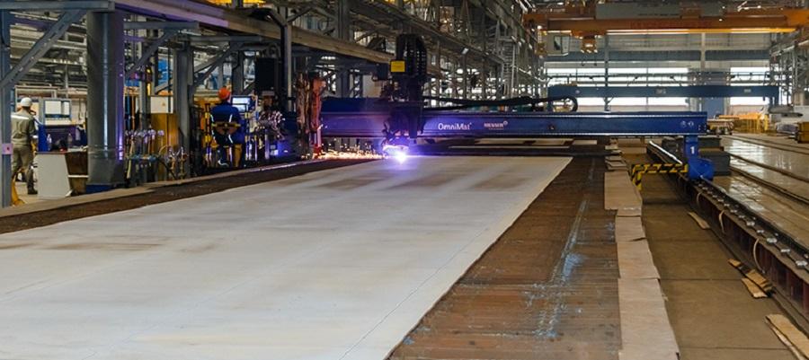 На ССК Звезда началась резка металла для первого танкера-продуктовоза типа MR для НОВАТЭКа