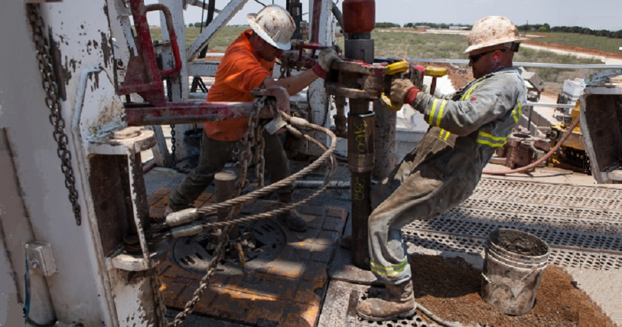 Russian oil companies plan significant drilling cuts for 2021
