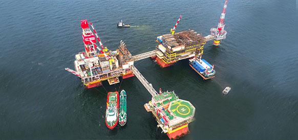 Астраханская область рассчитывает на пополнение бюджета за счет налога на имущество с проектов на шельфе Каспийского моря