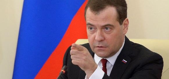 Д.Медведев выступил против переукрепления рубля