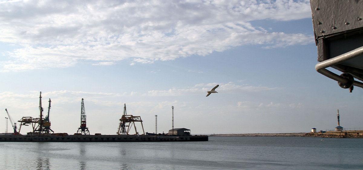 Морской порт Махачкалы возобновил перевалку туркменской нефти