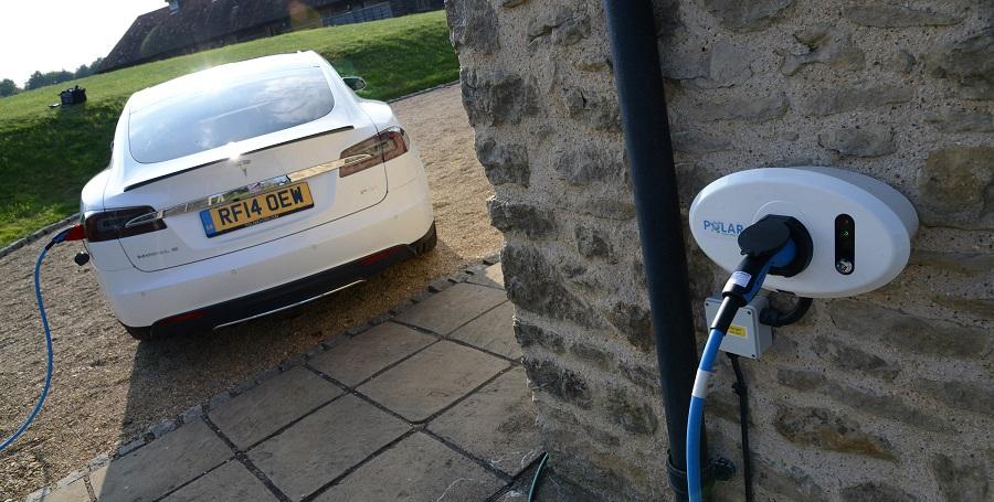 В Великобритании хотят запретить продажу автомобилей на бензине с 2030 г.