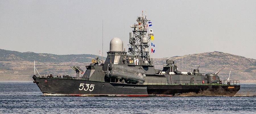 Перед дальним походом. Ударные корабли Северного флота провели комплексное учение в Баренцевом море