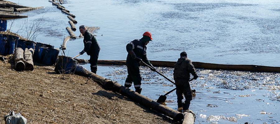 ЛУКОЙЛ: ликвидация разлива нефтесодержащей жидкости в Коми выходит на завершающую стадию