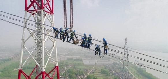 В Тибете завершено строительство самой высокогорной в мире линии электропередачи