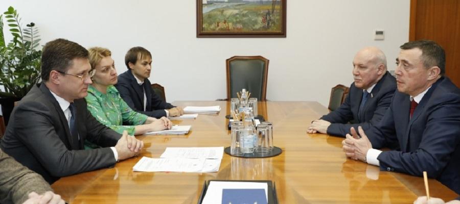 А. Новак провел рабочую встречу с врио губернатора Сахалинской области В. Лимаренко