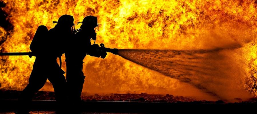 В Иордании потушен пожар на нефтепроводах близ порта Акаба