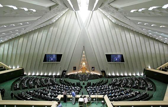 Иран хочет остановить экспорт нефти зимой в ряд стран
