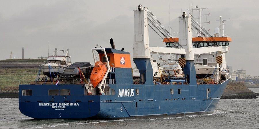 У берегов Норвегии голландское судно потеряло ход. Есть риск опрокидывания