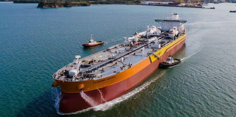 Головной нефтеналивной танкер типоразмера Афрамакс Владимир Мономах вышел в свой 1-й рейс