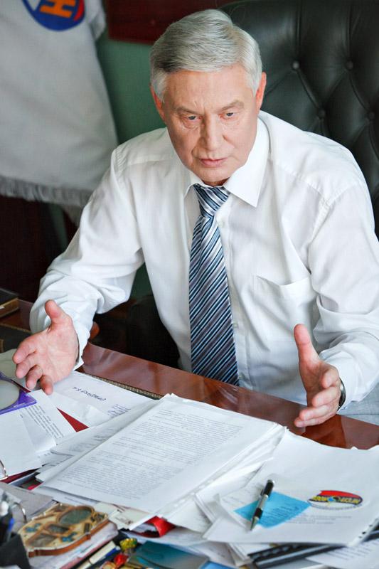Нефтегазстройпрофсоюз РФ поздравляет с днем работника нефтяной и газовой промышленности