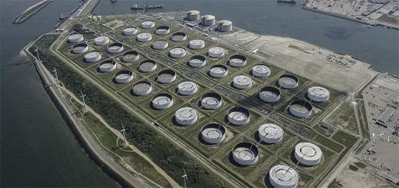 Чтобы укрепиться на европейском рынке Saudi Aramco купит долю участия Gunvor в нефтяном терминале в г Роттердам