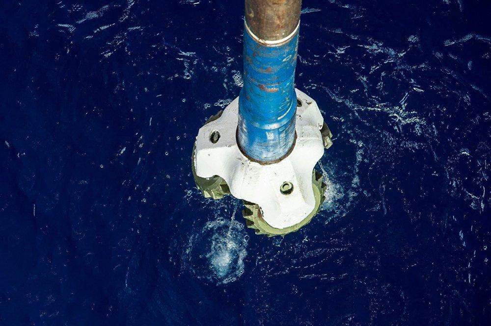 Настоящее и будущее технологии строительства нефтяных и газовых скважин на море и на суше