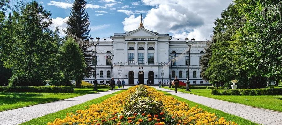 ЛУКОЙЛ и Томский госуниверситет займутся очисткой загрязненных в советское время водоемов