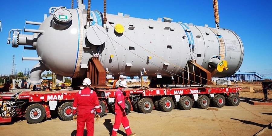 На этиленовом комплексе Нижнекамскнефтехима смонтирована последняя, 17-я колонна из крупнотоннажного оборудования