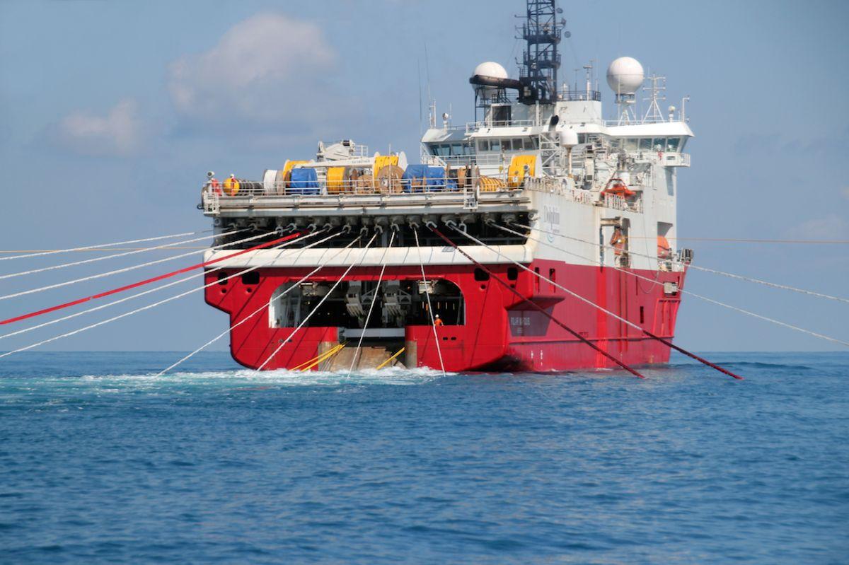 Волны-спутники  Статистический алгоритм подавления по сейсмограммам, полученным в результате морской сейсморазведки
