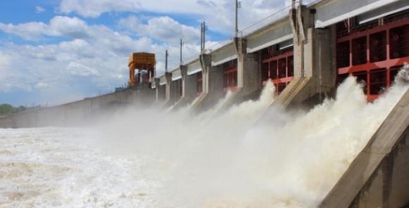 Воткинская ГЭС начала холостые сбросы - дальнейшее изменение сбросных расходов будет определяться характером половодья