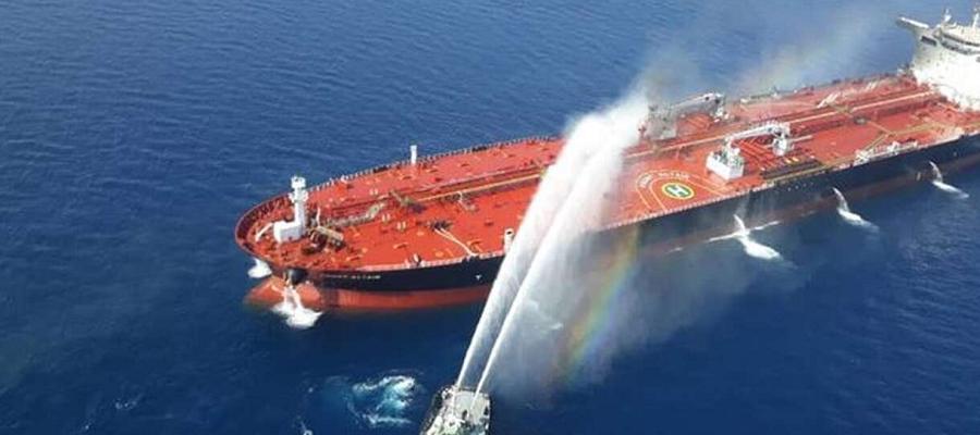 Греческий танкер получил пробоину у берегов Саудовской Аравии. Мина?