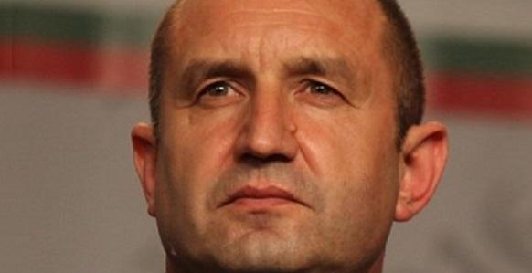 Р. Радев позвонил В. Путину обсудить перспективы газового хаба в Болгарии и частное партнерство по проекту АЭС Белене, но тем явно больше