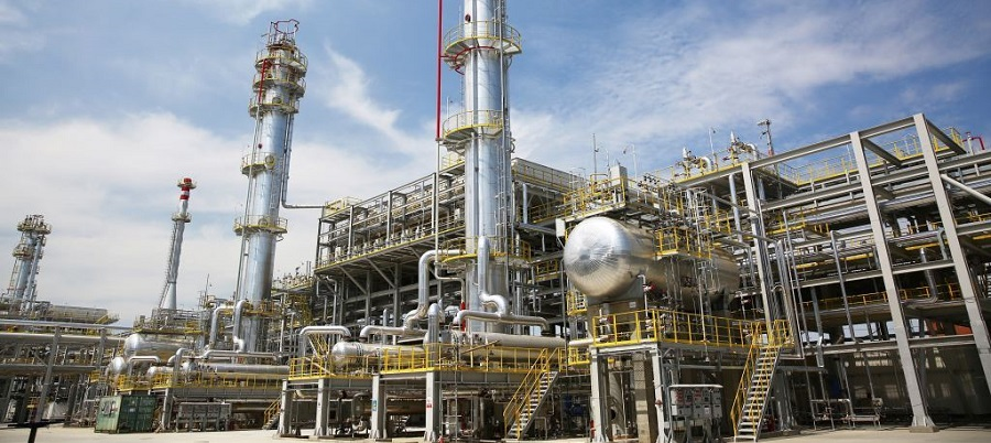 Из-за внеплановых ремонтов на НПЗ Казахстан остановит экспорт бензина