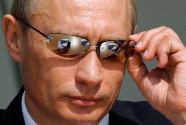 В.Путин на совещании в Сочи поручил ОСК, Газпрому и Роснефти сотрудничать в сфере создания морской техники