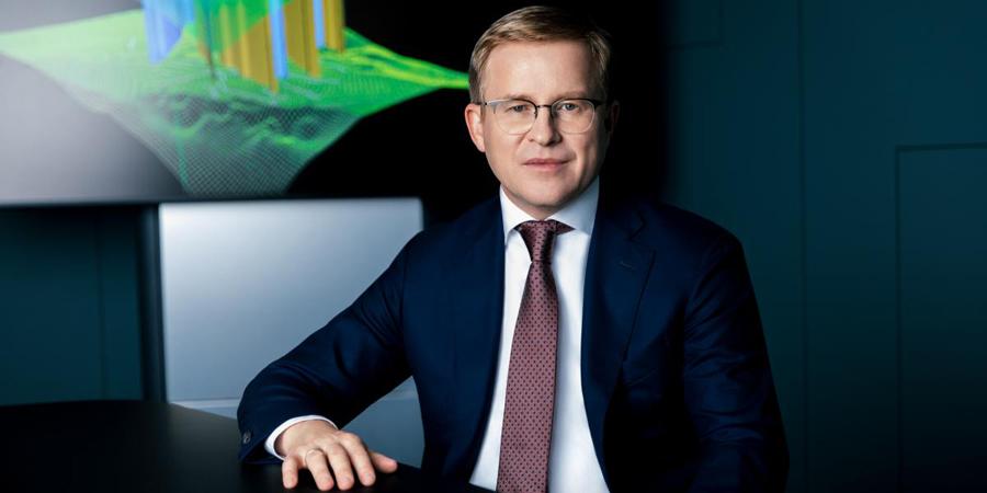 Заместитель гендиректора по разведке и добыче «Газпром нефти» В. Яковлев: «Для того чтобы развивать что-то новое, не обязательно отказываться от того, что ты хорошо умеешь делать»