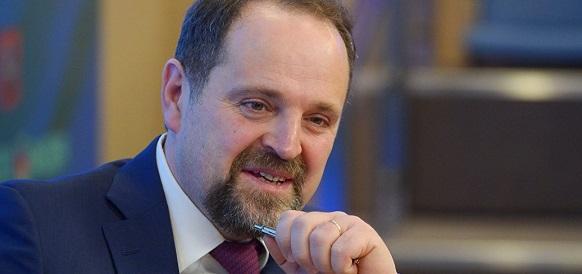 C. Донской войдет в правление Иркутской нефтяной компании