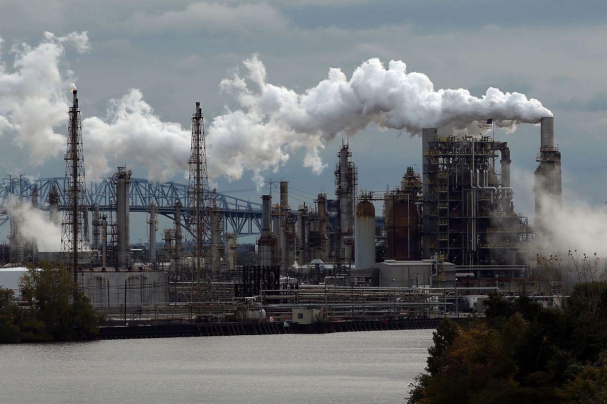 Вторичное сырье для предприятий нефтехимии: проблемы и решения
