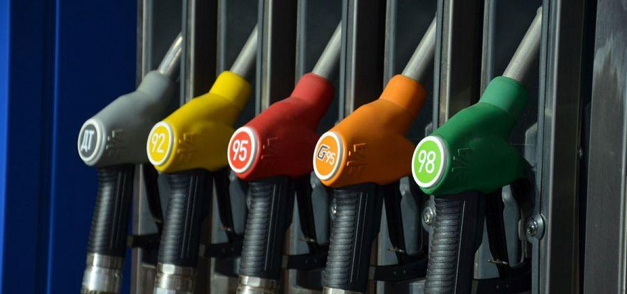 НТС предсказывает появления ценников на пол-литра бензина