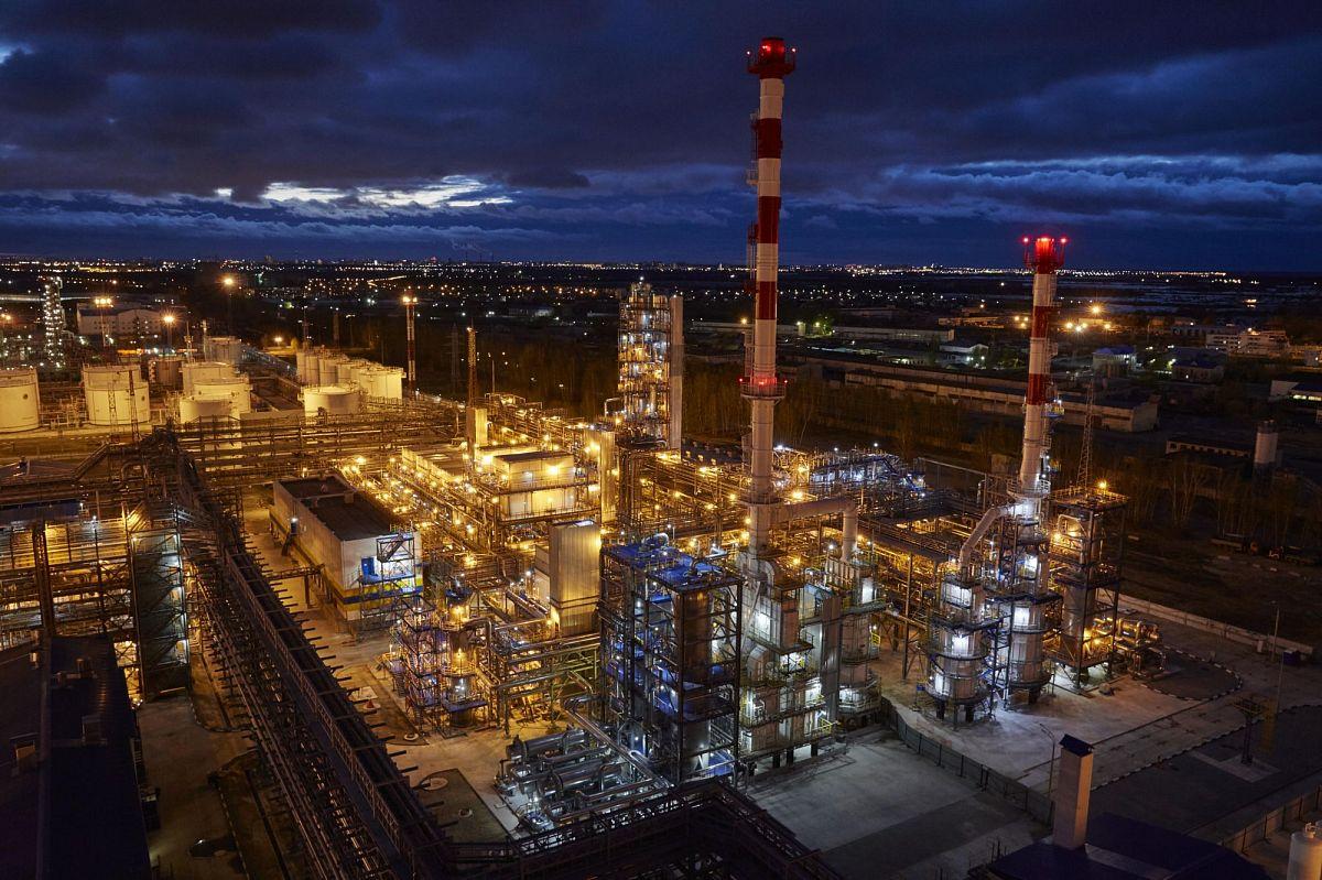Антипинский НПЗ готовится к выпуску высокооктановых бензинов