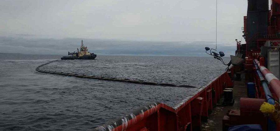 Россия и США провели учения и совместный семинар по оптимизации реагирования на разливы нефти в Беринговом проливе
