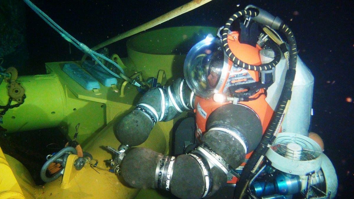 Жесткие водолазные скафандры для подводно-технических работ