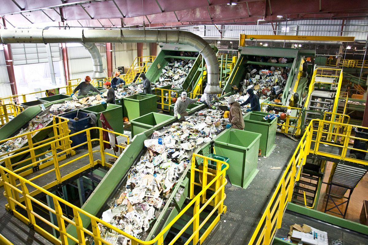 Утилизация промышленных отходов в России и в мире: проблемы и решения